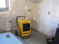 Construction work in winter - how to fight damp patches on the walls